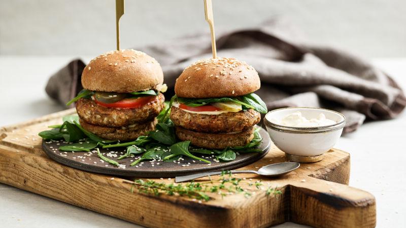 Blumenkohl-Burger_mit_Mayonnaise